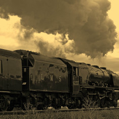 The steam engine Duchess of Sutherland hauling the Royal Scot through Bottesford, October 17th, 2009. | Copyright: Ashley Waterfall