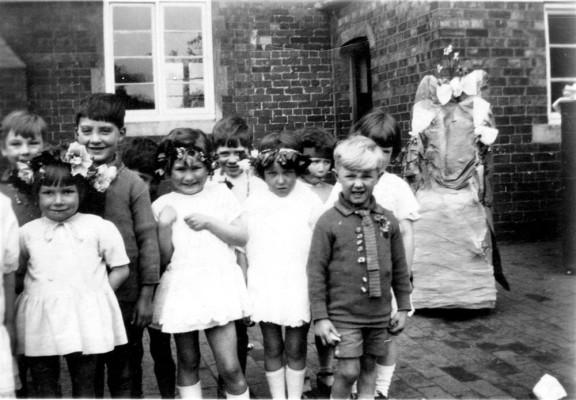 Children's May Day celebrations 3
