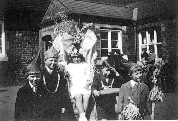 Children's May Day celebrations 4
