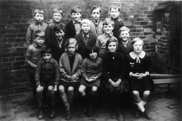 Bottesford juniors class in school yard