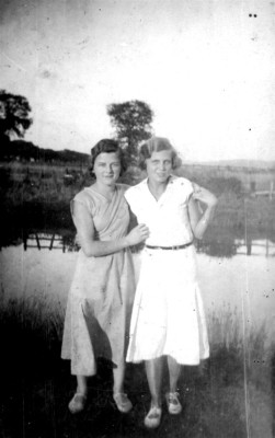 two girls posed by Grantham Canal