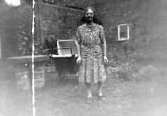 Mrs Bateson in Six Bells yard