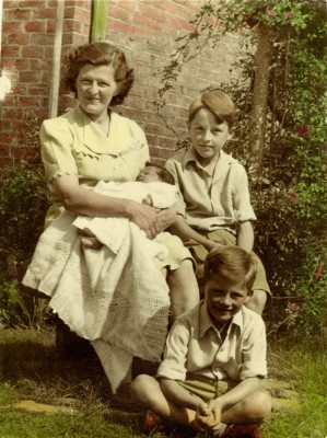 Mrs Bond and her children at Six Bells