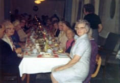 colour picture of a formal dinner