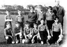 boys football team ca.1950
