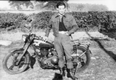 Dick Robinson, despatch rider