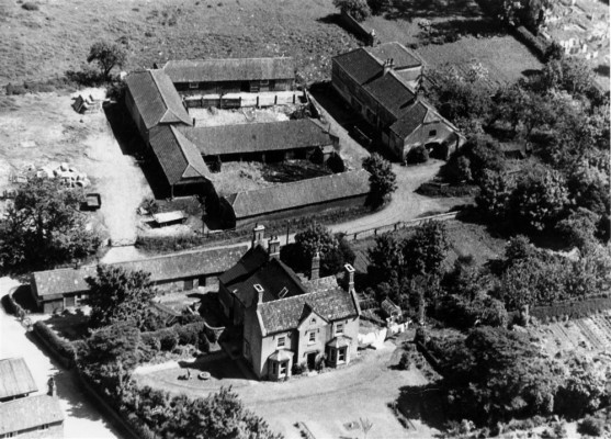 Aerial view of Beckingthorpe Farm from the south. From the collection of Angela Marsh