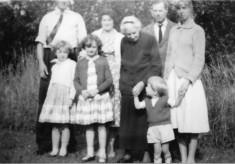 Marsh family group at The Elms 1