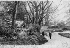 Captured gun by Rectory Lane ford, 1930s