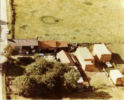 Aerial photograph of farm on Muston Lane, Easthorpe