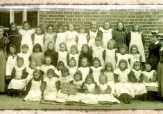 School photograph, ca.1900, of Bottesford Girls school