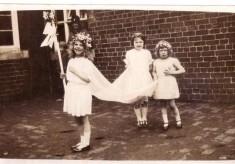 Bottesford school children May Queen