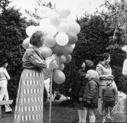 May Day Pageant - balloon seller - 4