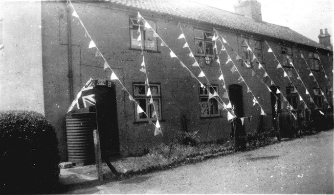 Muston 1953, Coronation bunting at the Duke's Cottages
