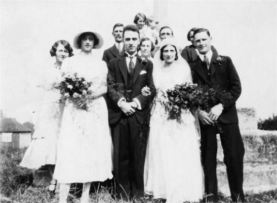 Muston wedding group, Mr and Mrs Bradbury's wedding