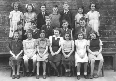 Bottesford school group picture from about 1949