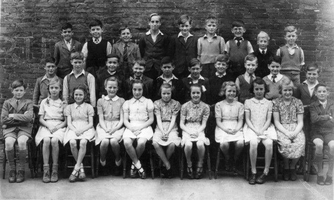 Bottesford School children, 1949. | From the private collection of Philip Sutton