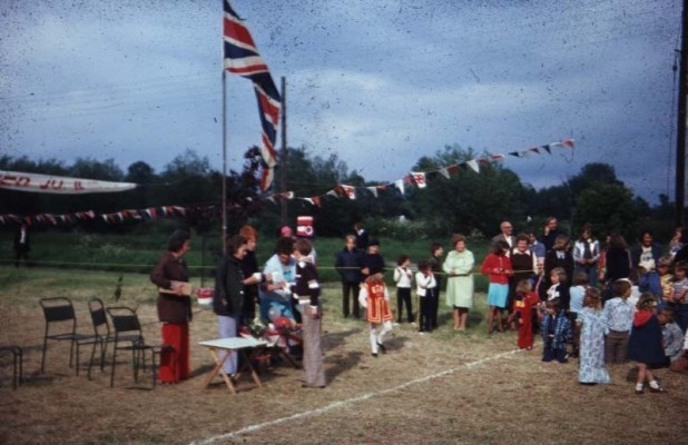 Jubilee Street Party 1977, prize giving
