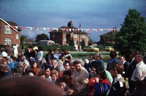 Jubilee Street Party 1977, the crowd at Keel Crescent