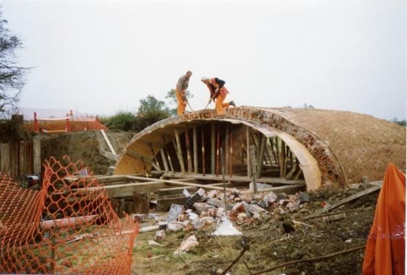 Rebuilding Muston Canal Bridge in 1988_2