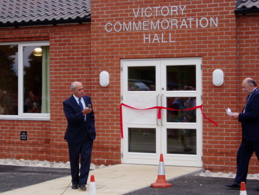 Ken Greasley (Chair of the VC Hall Committee) welcoming David Wright (Mayor of Melton Borough Council)