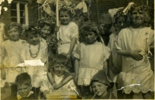 May Day Pageant in the 1920/30's at Bottesford School (1st left Joan Tuckwood (Mrs Joan Roberts))