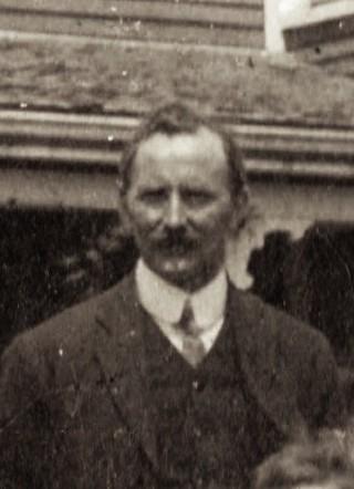 Alferd Davidson at Dakyne Farm, Nova Scotia, 1913.