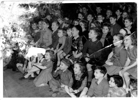 Bottesford School children celebrate VE Day | From the collection of Wendy Cross