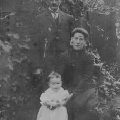 Joseph & Martha Bolland & our dad (c1911)