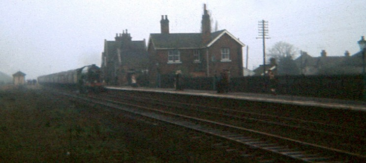 Train arriving at Bottesford Station