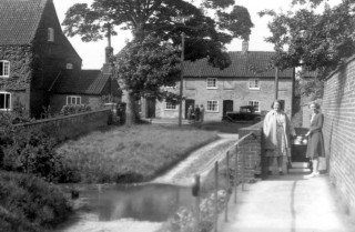 Cottages by the Ford and The Green, Devon Lane