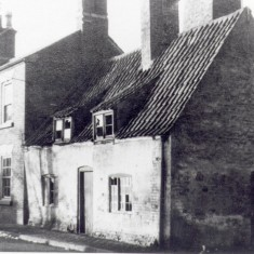 Derelict cottage (late 1960's?)- NW Queen St.