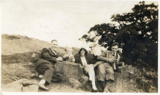 Ernie & Nellie Pinfold with their children and George Harby in a 1930s visit to Charnwood.