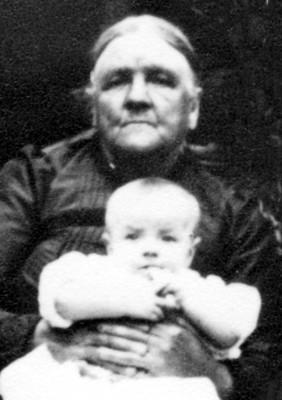 Frances Hallam, mother of ten children, with grandaughter Nancy Goodson (later Mrs. Moulsher).