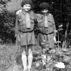 Joyce Hart and Dorothy Beedham c. 1930