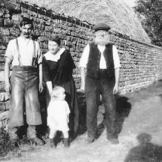 Harold Long (L), Susan Long (nee Coy, C) with baby John and Mr Long Snr (R). c. 1926.