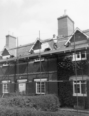 C19th Estate Cottages Easthorope Lane - Re-roofong 1980s