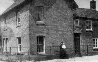 Corner Farm, late C19th. The rear of the building is older than the front, which may not have been built by 1851. Hoxever, the tithe map does show an 'L' shaped building.