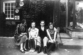 Mrs Randell, Nancy Goodson (Mrs Moulsher), gentleman (not identified), Jane Randell (Mrs Spick)