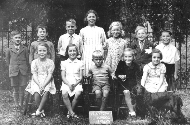 Muston School in 1940.