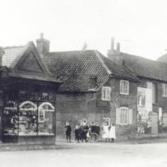 7. High Street C. 1900.