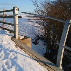 Damage to the parapet railing on the new bridge  - February 2009