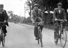 Test Your Memory - Cyclists, Sightseers and Schoolteachers