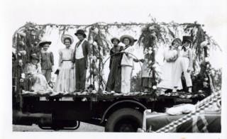 The Brownies' Float circa 1952: Jill Howitt, Shirley Jackson, Adrienne Edwards, Pamela Jackson, Helen Carrington, Margaret Pearson, Catherine Samuel, Vivienne Jallands
