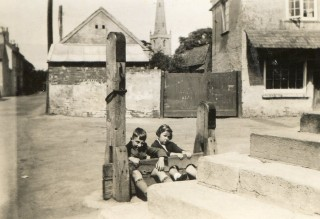 Nev and Joy Pinfold must have been misbehaving! Late 1930s