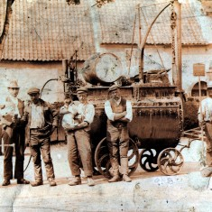 Road Menders, The Red lion, Bottesford, early C20th