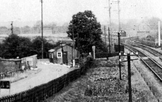 Looking North across Orston Lane crossing towards Bottesford junction.