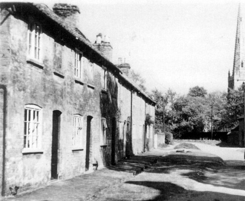 The Green (Devon Lane) Bottesford. The Rawdin family lived in the cottage at the further end of the row, number 10 (now number 6)