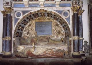 The effigy of Elizabeth and tomb of Roger Manners, 5th Earl of Rutland in St Mary the Virgin, Bottesford