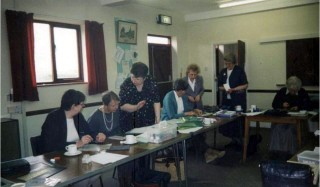 U3A members: Sue Neale, Doris Hearn, Visiting Tutor, ?, ?, Sheila Marshall, Ivy Illingworth